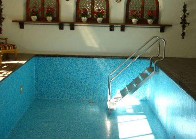 Schwimmbadtreppe-010
